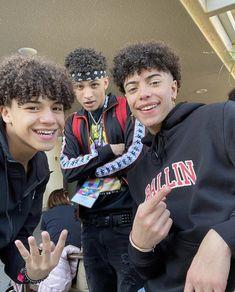 Ayeeeeeeee Cute Lightskinned Boys, Cute Black Guys, Cute Teenage Boys, Black Boys, Hot Boys, Cute Guys, Pretty Boys, Boys With Curly Hair, Curly Hair Men