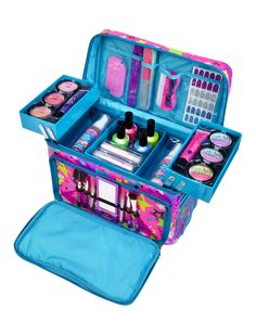 Neon Stars Mega Beauty Kit i have this it is very handy and when I go to a friends house I can take it with me because it come with a strap. I recommend this so much. Makeup Kit For Kids, Kids Makeup, Beauty Kit, Beauty Makeup, Justice Makeup, Unicorn Fashion, Makeup List, Shop Justice, Unicorn Makeup