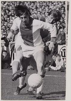 Cruyff in action for Ajax against Telstar in 1969