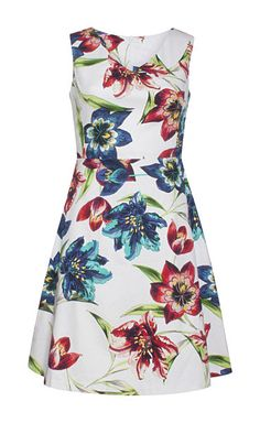 Classic sleeveless dress with a beautifully crafted hem and a delicious flower pattern. Textiles, Floral Fashion, Flower Patterns, Lab, Lemon, Summer Dresses, Cotton, Clothes, Beauty