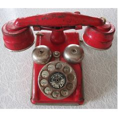 / red metal telephone --- visual found object Telephone Vintage, Vintage Phones, Vintage Love, Retro Vintage, Vintage Items, Vintage Green, Schrift Design, Antique Phone, Antique Toys