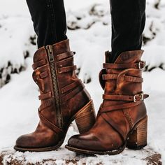 Gypsy Boots, Boho Boots, Cowgirl Boots, Sock Shoes, Shoes Heels, Cute Sandals, Me Too Shoes, Leather Boots, Teal Makeup