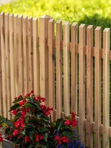 Waagrechtzaun aus l rchenholz zaun pinterest zaun gartenzaun und garten - Vorgartenzaun modern ...