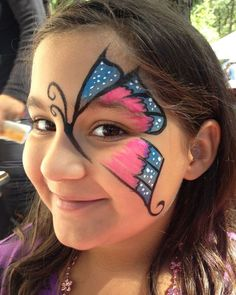 Simple face painting designs are not hard. Many people think that in order to have a great face painting creation, they have to use complex designs, rather then simple face painting designs. Butterfly Face Paint, Butterfly Makeup, Butterfly Eyes, Butterfly Design, Girl Face Painting, Body Painting, Face Paintings, Kids Face Painting Easy, Face Painting Halloween Kids