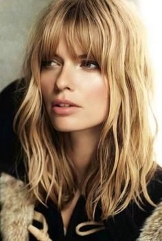 Freshest long layered hairstyles with bangs: face-framing & fabulously flattering high-fashion Haircuts For Long Hair With Layers, Layered Hair With Bangs, Long Bob Haircuts, Long Layered Hair, Long Curly Hair, Haircut Short, Haircut Styles, Fade Haircut, Layered Cuts
