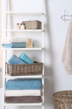 51 Smart Bathroom Storage Ideas for Neater, and Clutter-free Bathroom Table, Diy Bathroom Decor, Bathroom Towels, Bathroom Storage, Bathroom Ideas, Hanging Fabric, Hanging Towels, Leaning Shelf, Hidden Shelf