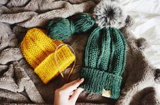 My first fall beanie pattern of the year! The Coast Beanie is perfect for this time of year, it's super cozy and comfy and the perfect fall accessory. This pattern features the seed stitch, o…