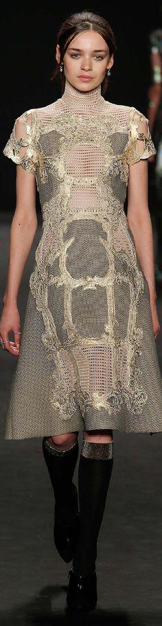 Fall 2015 Ready-to-Wear Vivienne Tam