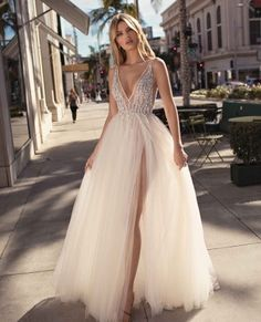 2019 Bohemian Wedding Dresses Sexy Backless Tulle Spaghetti Straps Country Wedding Bridal Gown Front Split Custom Made vestido de novia wedding outfit Affordable Bridesmaid Dresses, Pink Wedding Dresses, Backless Prom Dresses, Bohemian Wedding Dresses, Designer Wedding Dresses, Wedding Outfits, Rehearsal Dinner Dresses, Popular Dresses, Foto E Video