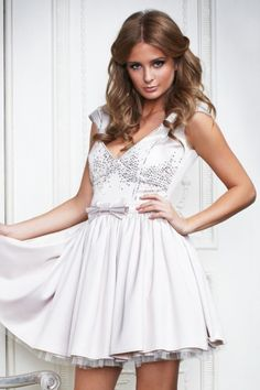 lipsy Millie Mackintosh collection. i really want this dress but since its from the spring/summer collection I cant get a hold of it anywhere.. anyone know where i can get it? iv tried ebay