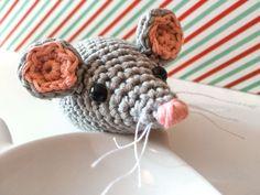 Ratón amigurumi para gatos