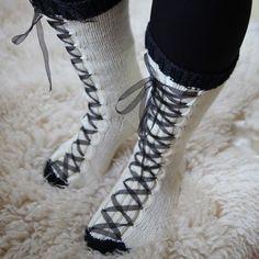 Neulotut nyörisukat Boots, Winter, Fashion, Crotch Boots, Winter Time, Moda, Fashion Styles, Shoe Boot, Fashion Illustrations