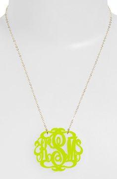 Monogram pendant necklace http://rstyle.me/n/kbau5nyg6