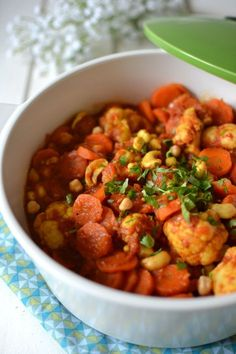 Indian Vegetarian Recipes 421931058837024139 - Ragout de legumes aux epices (with noix de cajou and pois chiches) Source by catherinelloren Raw Food Recipes, Veggie Recipes, Vegetarian Recipes, Healthy Recipes, Free Recipes, Vegetable Stew, Going Vegan, No Cook Meals, Food Inspiration