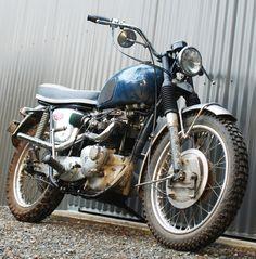 The Bullitt: 1966 Triumph Bonneville Desert Sled