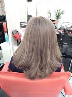 68 best korean hair color images in 2018 Blond Ash, Ash Hair, Ash Blonde Hair, Brown Blonde Hair, Blonde Color, Blonde Balayage, Ombre Hair, Platinum Blonde, Blonde Hair Korean
