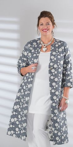 28 Spring Fashion 2019 To Update You Wardrobe Now 2019 - Fashion Moda 2019 Over 50 Womens Fashion, 50 Fashion, Modest Fashion, Hijab Fashion, Latest Fashion Trends, Plus Size Fashion, Spring Fashion, Fashion Outfits, Blazer Fashion