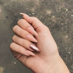 In seek out some nail designs and some ideas for your nails? Here's our listing of must-try coffin acrylic nails for modern women. Aycrlic Nails, Chic Nails, Stylish Nails, Trendy Nails, Swag Nails, Glitter Nails, Gold Nail, Stiletto Nails, Pink Glitter