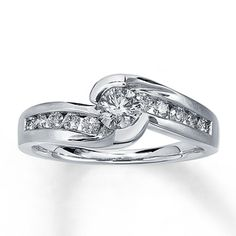 Diamond Engagement Ring 5/8 ct tw Round-Cut 14K White Gold - This is my engagement ring!!