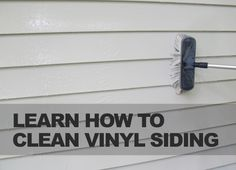 Learn how to clean vinyl siding. An easy DIY tutorial! Cleaning Items, Household Cleaning Tips, House Cleaning Tips, Diy Cleaning Products, Cleaning Solutions, Spring Cleaning, Cleaning Hacks, Diy Cleaners, Cleaners Homemade