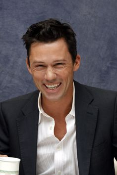 Jeffrey Donovan, American actor, b. 1968