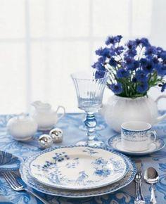 déco de table en bleu et blanc