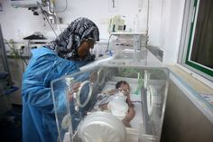 Doctors Save Unborn Child of Pregnant Woman Killed in Gaza https://twitter.com/iFalasteen/status/494331964325785600/photo/1