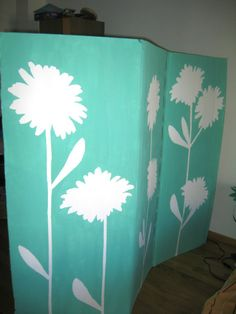 How to make a cardboard box room divider