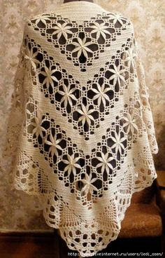 Yarns Patterns in Crochet: Shawl Crochet Yarn Stylish in Store Poncho Crochet, Crochet Shawl Diagram, Crochet Shawls And Wraps, Crochet Chart, Crochet Scarves, Crochet Clothes, Crochet Lace, Crochet Stitches, Flower Crochet