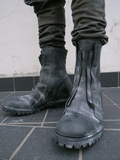 obscurus-mag:  JULIUS footwear obscurus / fb / issues