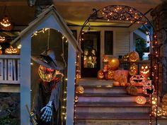 Дом украшен на праздник