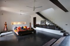 Tropical retreat in the South-Indian countryside