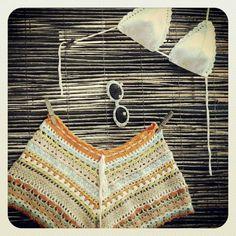 Conjunto feito à mão em crochet Bikini - € 15,00 Calções € 30,00