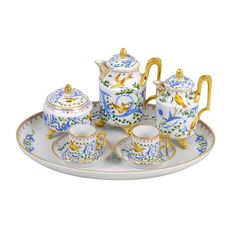 Augarten Wien - The pattern Imperial Garden features precursors to classicism and delicate elements of romanticism. The unique combination of colours stands in strong contrast to the luxurious gold work. Shop now https://boulesse.com/en/product/766/Augarten-Wien/Coffee-Pot-Imperial-Garden
