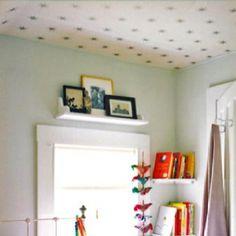 Wallpaper ceiling -- that's beautiful!