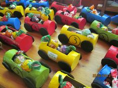 Autos con rollos de papel higiénico Baby First Birthday, 4th Birthday, School Bus Party, Hot Wheels Birthday, Cars Birthday Parties, Ideas Para Fiestas, First Birthdays, Kids, Party Favors