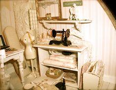 Dollhouse miniature by Kim Saulter