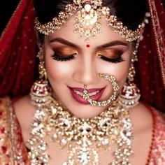 WeddingSutra.com (@weddingsutra) • Instagram photos and videos Makeup Trends, Bridal Makeup, Core, Halloween Face Makeup, Hair Makeup, Laptop, Photo And Video, Videos, Photos