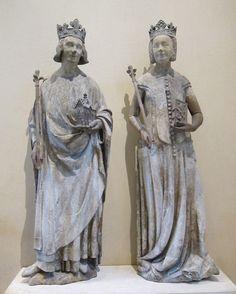 Anonyme. Portraits sculptés de Charles V et son épouse Jeanne de Bourbon, Ile-de-France, vers 1365-1380, H. 1,95m. Musée du Louvre. Ont appartenu au décor du Louvre.