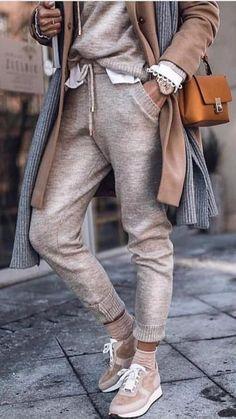 Casual Comfy Knitted Fall Outfit Two Piece. - Casual Comfy Knitted Fall Outfit Two Piece. Fashion Mode, Look Fashion, Luxury Fashion, Womens Fashion, Fashion Trends, Fashion Fashion, Fashion Ideas, Knitwear Fashion, Fashion Hacks