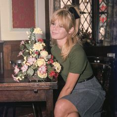 French actress, singer and supermodel Brigitte Bardot is captured in candid shots taken by famed paparazzi photographer Ray Bellisario in London in Brigitte Bardot, Bridget Bardot, Romain Gary, Intimate Photos, London Pubs, Marlene Dietrich, French Actress, Vintage Beauty, Most Beautiful Women