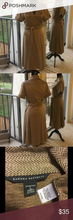 🛍🆕Banana Republic brown & cream wrap dress 🛍DEAL of the DAY price is FIRM but can be bundled for additional discount❣THIS IS ONLY ON SALE FOR TODAY 😊.   Banana Republic brown & cream stretch wrap dress with pockets- excellent used condition. Banana Republic Dresses Midi