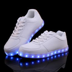separation shoes cdaec 79d2a US  20.88 46% OFF Women Fashion Led Sneakers Light Casual Shoes Glow LED  Luminous Light up Chaussure Lumineuse USB Basket Femme Unisex-in Women s  Vulcanize ...