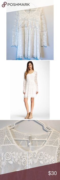 Monoreno lace dress size s Never been worn, white lace dress, size s Monoreno Dresses Midi