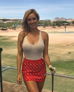 "72k Likes, 1,471 Comments - Paige Spiranac (@_paige.renee) on Instagram: ""Golf makes me smile...sometimes #golf #18birdies"""
