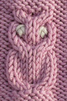 Le but de cet article est de vous permettre de tricoter un petit hibou Le petit hibou se tricote sur 6 mailles initiales et 18 rangs : La légende des diagrammes est la suivante : un point endroit sur l'endroit ou un point envers sur l'envers un point...