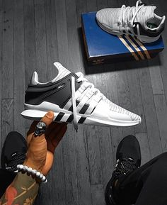 """9,989 Likes, 143 Comments - Men's Street Fashion & Style (@streetsfashions) on Instagram: """"Comment your shoe size @menshoesfashions 📸@kicks.guy"""" Adidas Shoes 2017, Adidas Sneakers, Adidas Hat"""