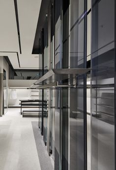 Reiss | Brent Cross | UK | d_raw : architectural and interior design collective