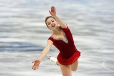 Gracie Gold, 18 years old, the reigning United States champion, skated a clean short program. Sochi 2014.