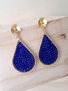 Bead Jewellery, Beaded Jewelry, Jewelery, Handmade Jewelry, Wire Jewelry Designs, Diy Jewelry Projects, Wire Wrapped Earrings, Beaded Earrings, Girls Earrings